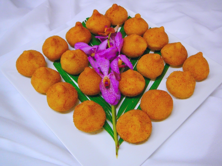 Photo: Brazil - Coxinhas.   [You can click here to go to the Photos page.]  San Francisco Catering -  AROMA BUENA CATERING - Hispano World Cuisine www.AromaBuena.com